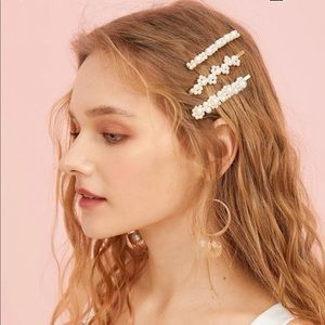 Faux Pearl Decor Hairpin